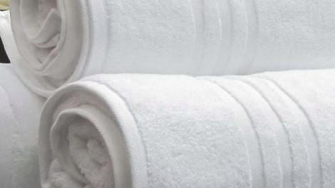 Egy szálloda takarítója elárulta hogy kell helyesen kimosni a törölközőket