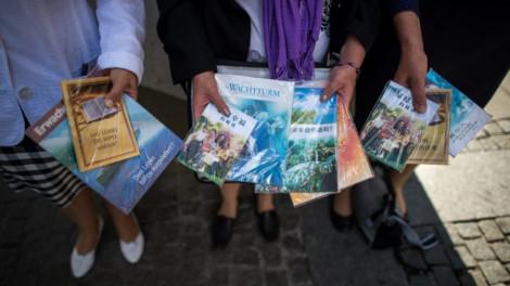 Betiltották a Jehova tanúi egyházat!