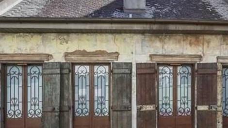 Ez a ház ránézésre borzalmas. Senkinek nem kellene. De nézd meg belül!