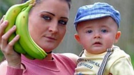 Az anyuka csak egy banánt akart a gyereknek. Rémálom lett belőle!
